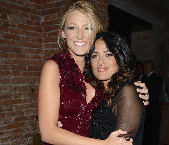 <strong>Blake Lively y Salma Hayek</strong> derrochan <strong>'glamour'</strong> en la 'premi&egrave;re' de un <strong>nuevo perfume en Venecia</strong>